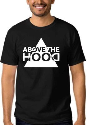78034ab805d3 ΜΠΛΟΥΖΕΣ ΜΕ ΣΤΑΜΠΕΣ    Μπλουζάκια με συγκροτήματα    Μπλουζάκι Above The  Hood